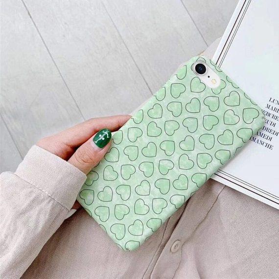 Etui do iPhone SE2020/8/7 eleganckie zielone z serduszkami