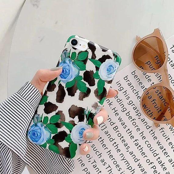 Etui do iPhone SE2020/8/7 eleganckie białe z niebieskimi kwiatami